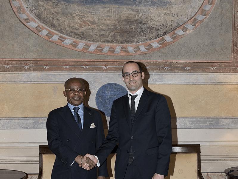 M. le Ministre Coussoud-Mavoungou se rend à Saint Marin en vue de l'établissement de relations diplomatiques
